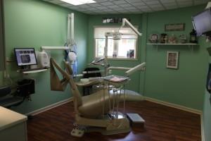 Dr. Sulken's Beach Themed Patient Room